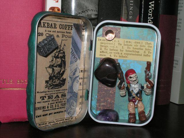 Plot Pirate Writing Altar Tin